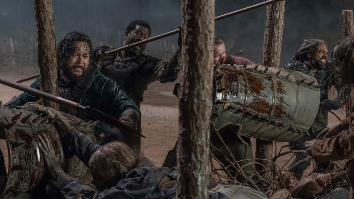 The Walking Dead Goes Game of Thrones With a Medieval Battle and a Deadly Twist